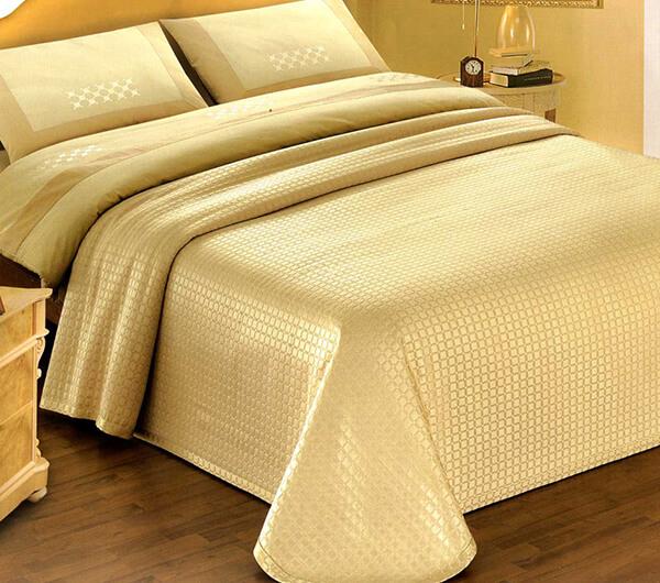 Пошив покрывал: сшить покрывало длякровати, кресла, дивана